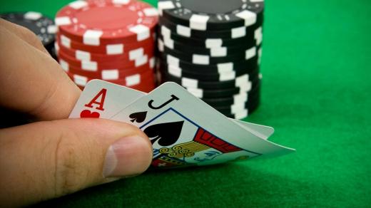 คุณต้องการเป็นผู้เล่นแบล็คแจ็คมืออาชีพหรือไม่?